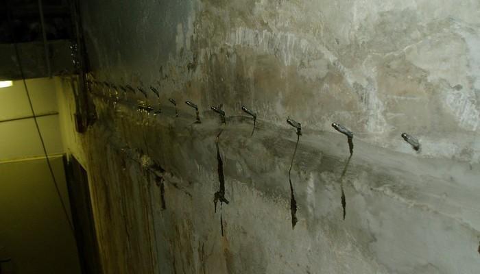 Инъекционная гидроизоляция швов и трещин в бетоне в Москве
